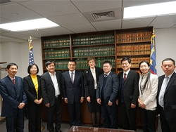 陈董随市委副书记吴晖访问苏里南、美国、加拿大